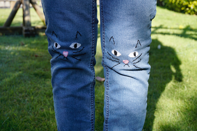 Cat knees