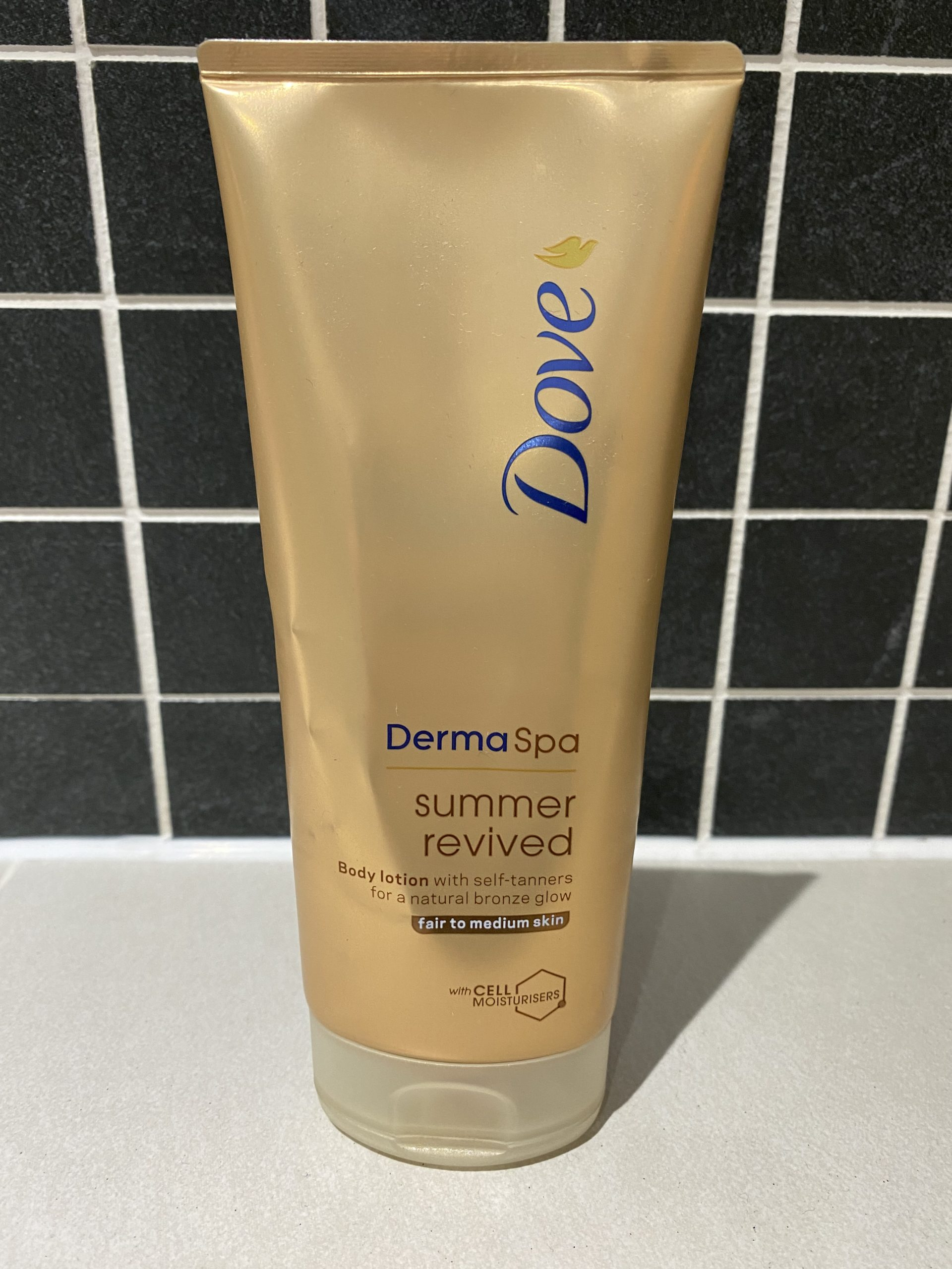 Dove DermaSpa Summer Revived Skin Gradual Fake Tan Review graphic